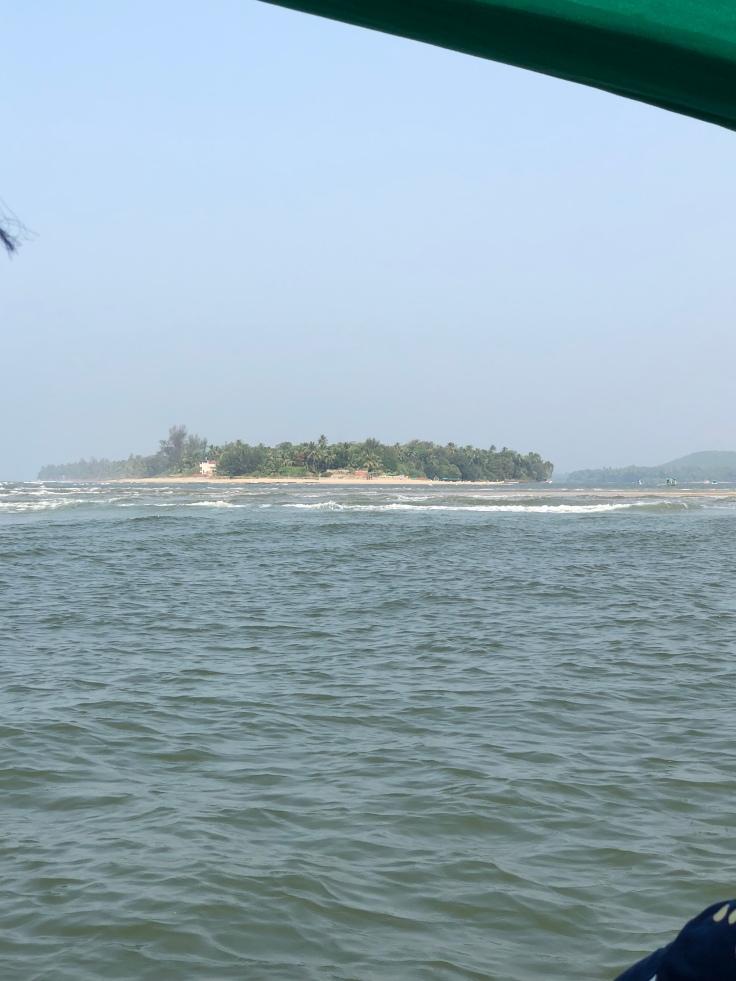 Boat trip at Devbagh Sangam in India , travel blog