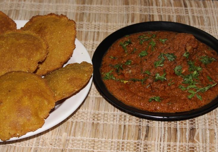 Malvani Kombdi Vade (chicken curry and lentil bread)